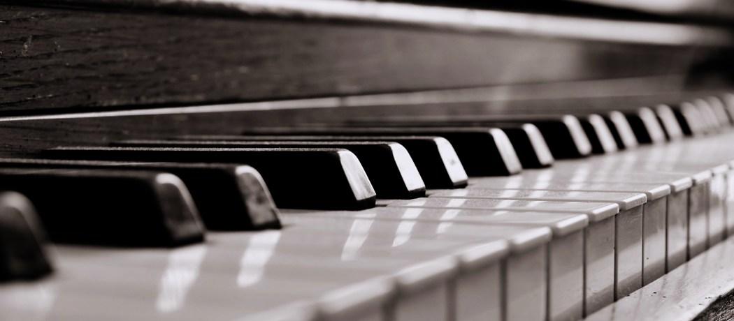 Clases de piano y organeta. Aprende a tocar piano en Bogotá